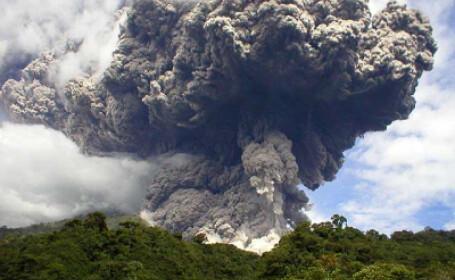 Ecuador: 500 de oameni evacuati din cauza eruptiei unui vulcan