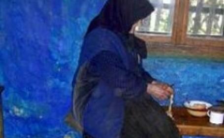 Poveste de groaza in Arad, o batrana a fost gasita moarta in beciul casei