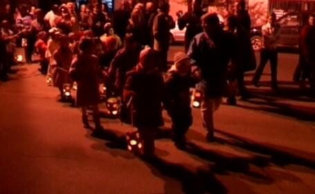 Mii de copii din Ardeal l-au sarbatorit marti seara pe Sfantul Martin