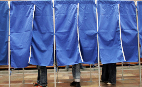 Romani din toate zarile, uniti-va la vot!