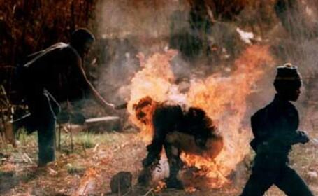 Si-a dat foc pentru a se razbuna pe parintele sau!