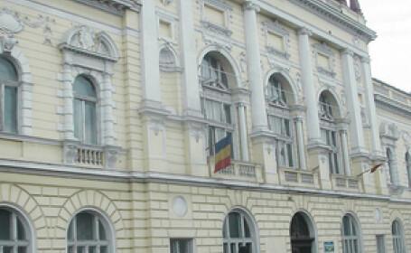 Fabrica de diplome false la Facultatea de Medicina din Oradea
