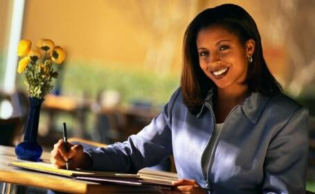 Obama sa fie de vina? Femeile de culoare castiga mai bine decat cele albe