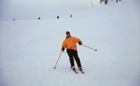 Sfarsit de saptamana cu zapada, schi si distractie din plin la munte