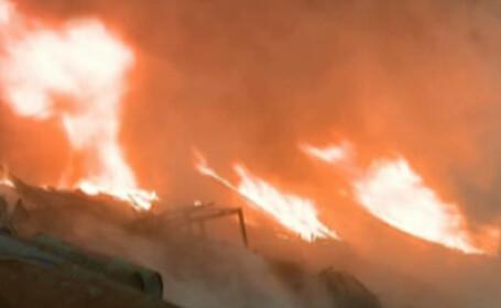Incendiu de proportii in Philadelphia. 150 de pompieri la datorie