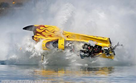 "Supravietuire miraculoasa dupa ce au ""zburat"" pur si simplu cu barca!"