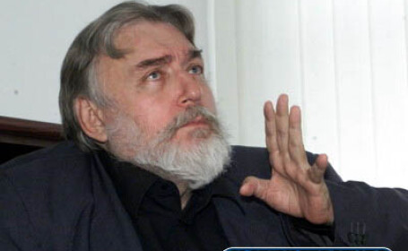 Adrian Paunescu este in stare critica
