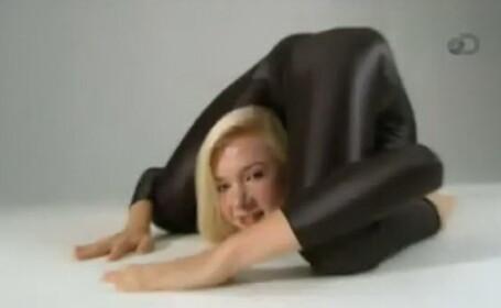 Cum a pozat contorsionista Zlata pentru calendarul pe 2014