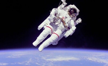 NASA angajeaza astronauti! Cat e salariul si ce trebuie sa faci ca sa zbori in spatiu
