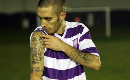 Fotbalistul ultra: a adunat trei ani de interdictii pe stadioane, dar acum joaca pentru Politehnica