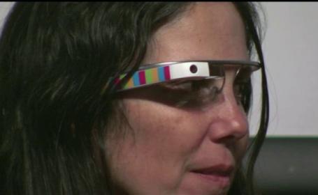 Cum a reusit o soferita din SUA sa ia amenda din cauza ochelarilor inteligenti