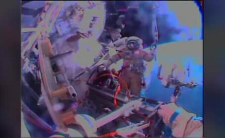Doi cosmonauti rusi au scris istorie. Pentru prima data, torta olimpica a fost scoasa in spatiu