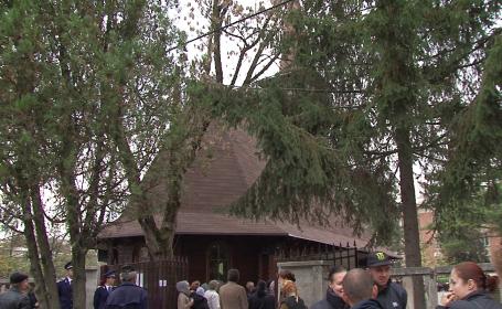 Biserica, politie hunedoara
