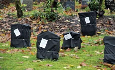 Furie in Norvegia dupa ce mormintele dintr-un cimitir au fost acoperite cu pungi negre