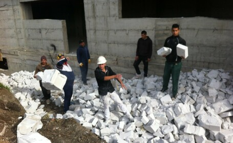 7,5 tone de deseuri din constructii au fost recuperate in scop umanitar la Cluj