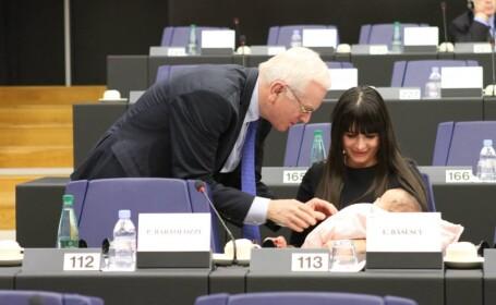 Elena Basescu cu Sofia la Strasbourg
