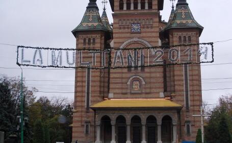 Timisoara se pregateste de sarbatori. Centrul orasului, impanzit de beculete
