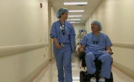Un doctor din SUA continua sa opereze dupa ce a paralizat, gratie unui sistem special. VIDEO
