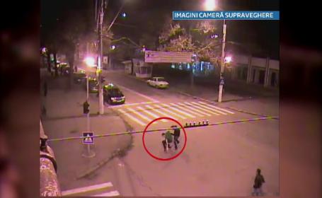 Imagini CAMERE DE SUPRAVEGHERE. Un tanar a fost batut cu cruzime in plina strada, in centrul Brailei