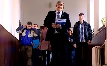 Un profesor din Iasi ii invata pe ministrii Educatiei cum se preda invatamantul gratuit. A schimbat viata a zeci de copii