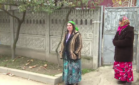 Surpriza pentru mascati, dupa o descindere la clanurile de romi din Strehaia: \