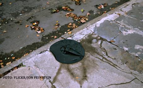 palarie de vrajitoare aruncata pe jos