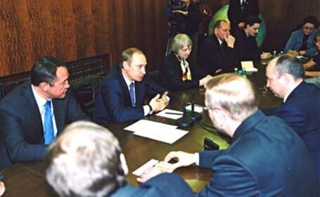 Un apropiat al lui Vladimir Putin, gasit MORT intr-un hotel din SUA. A condus propaganda si cenzura Kemlinului in anii \'2000