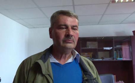 Casa unui primar din Romania, banuit de coruptie, a fost luata cu asalt de mascati. \