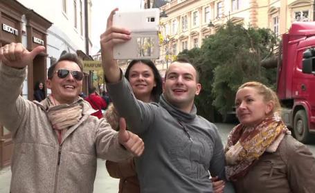 Cum arata bradul de 20 de metri care va fi instalat la Sibiu. Turistii au fost impresionati: \