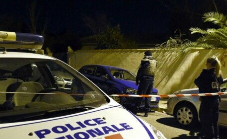Profesor evreu, injunghiat de trei francezi, sustinatori ai jihadistilor, in Marseille. Un atacator avea tricou cu ISIS