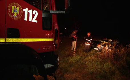 Un sofer din Timisoara a scapat ca prin urechile acului dupa ce masina sa a fost lovita de tren. Ce au gasit politistii acolo