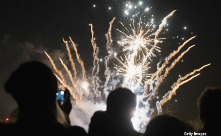 Clipe de cosmar pentru un tanar din Marea Britanie. Ce s-a intamplat cu el dupa ce artificiile i-au explodat in fata. VIDEO
