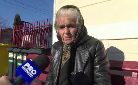 Batrana de 80 de ani, acuzata de vecini ca a furat 120 de copaci. Femeia abia daca se poate misca