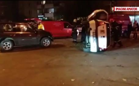 O șoferiță s-a răsturnat cu mașina după ce nu a acordat prioritate și a fost lovită