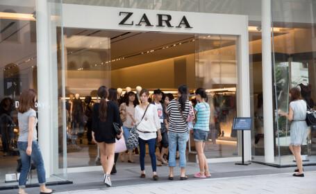 Mesajele descoperite de clienți în hainele de la Zara