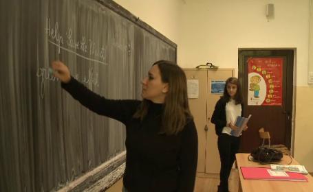 55.000 de profesori români vor fi învățați să predea după tehnici moderne
