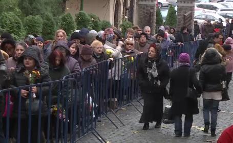 Pelerinaj de trei zile, la care participă deja mii de credincioşi, la Mănăstirea Radu Vodă din Bucureşti