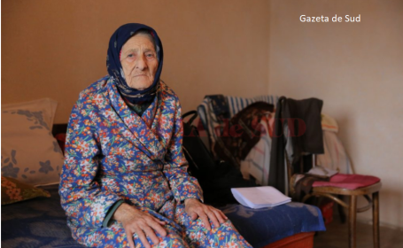 O bătrână riscă să ajungă în stradă, după ce i-a dat garsoniera unei femei care i-a promis că va avea grijă de ea