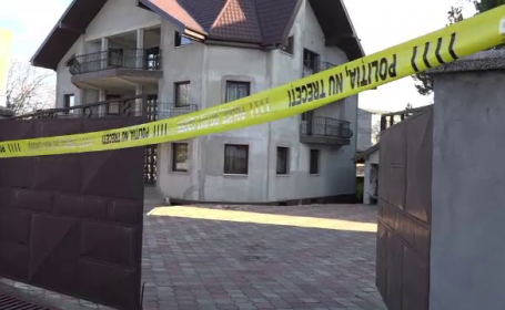 Ce s-a aflat despre tânăra de 17 ani care și-a ucis tatăl, patron de club, cu 50 de lovituri de cuțit
