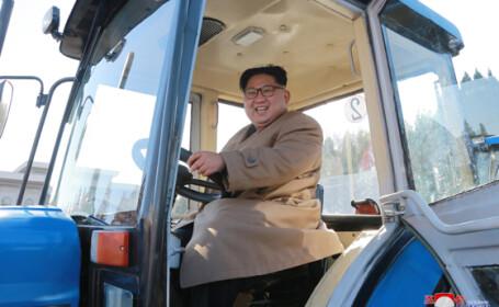Kim Jong Un la uzina de tractoare