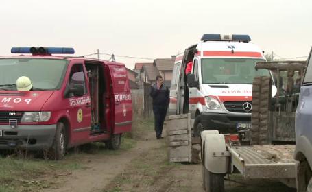 Un tânăr din Craiova a murit strivit de excavatorul pe care încerca să-l urce pe platformă