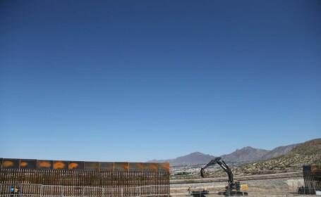 gard in constructie la granita SUA-mexic