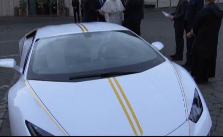 Lamborghini primit de Papa Francisc