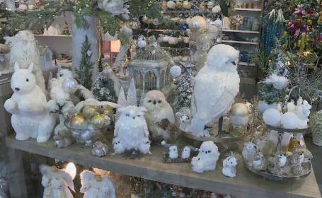 Magazinele au intrat în competiția vitrinelor de Crăciun, încă din noiembrie