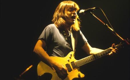 Malcolm Young, cofondatorul formaţiei AC/DC, a murit
