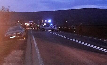Accident grav petrecut în județul Alba: trei mașini au intrat în coliziune: 1 mort