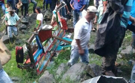 Un autocar a căzut într-o râpă, în Columbia: 14 morți și 35 de răniți