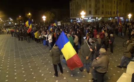 Filmul protestelor de duminică seara: Sute de persoane, din nou în stradă