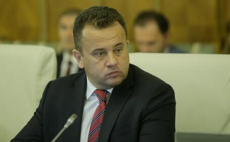 Ministrul Educatiei Nationale, Liviu Marian Pop, participa la sedinta saptamanala de Guvern