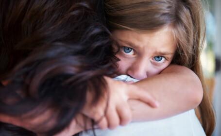 O fetiță de 9 ani ar fi fost agresată de un bărbat de 84. Ce a pus-o să facă pe stradă